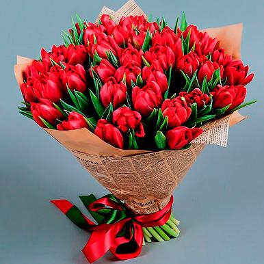 75 красных тюльпанов
