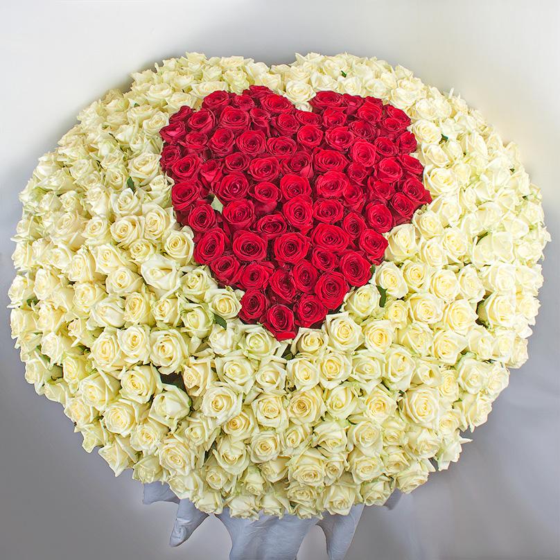 Фото 301 роза микс в форме сердца