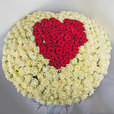 301 роза микс в форме сердца