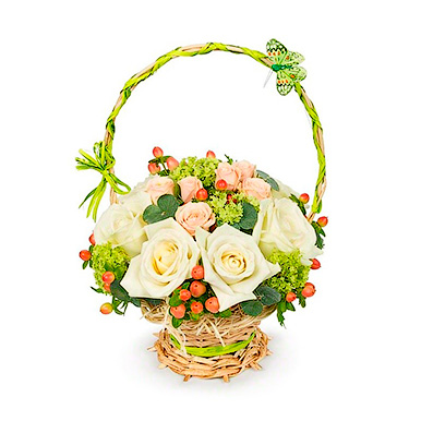 Мини корзинка с розами и зеленью