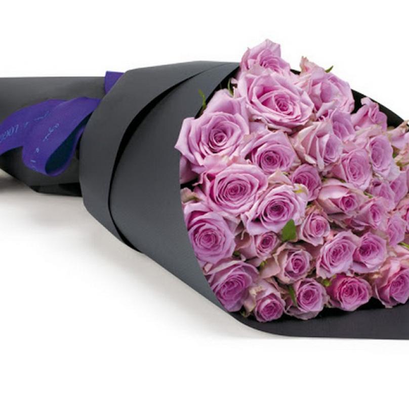 Фото Розовые розы в крафте