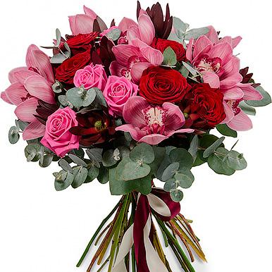 Букет с орхидеями, розами микс и эвкалиптом