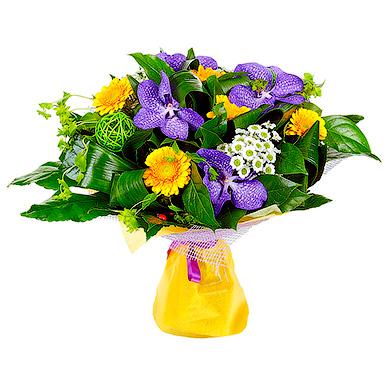 Букет с орхидеей, герберой, хризантемой и зеленью