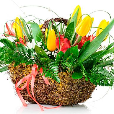 Кашпо с тюльпанами и альстромерией