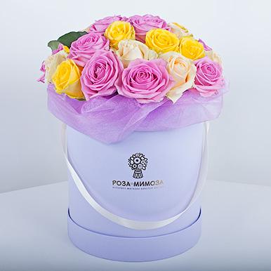Ассорти из роз в сиреневой коробке