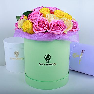 Ассорти из роз в зеленой коробке