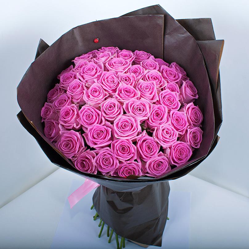 Фото 51 розовая роза «Аква» в крафте