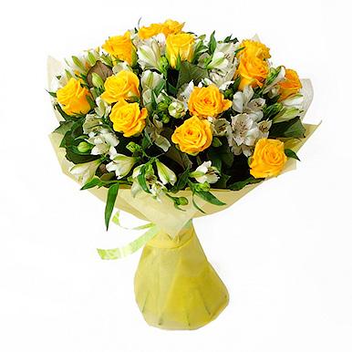 Букет с желтыми розами и альстромериями