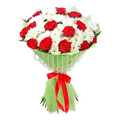 Букет из хризантем с розами