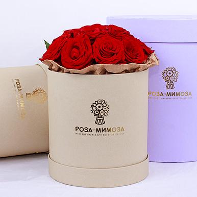 Мини-коробка с красными розами
