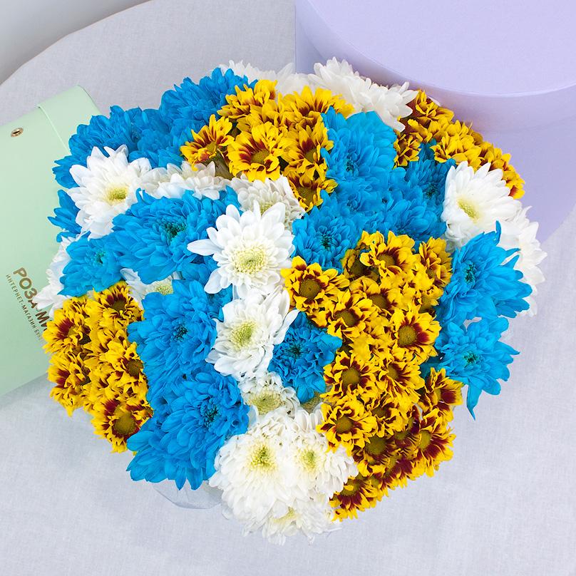 Фото Мини-коробка с хризантемами трех цветов