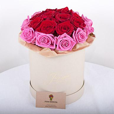 Мини-коробка с красно-розовыми розами