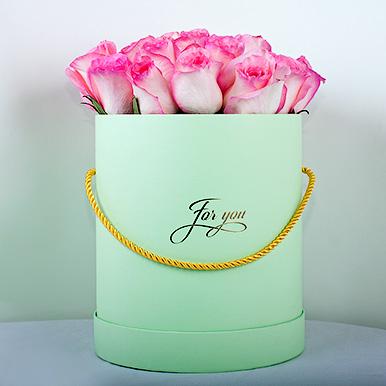 Ароматная Кенийская роза в круглой коробке