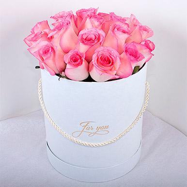 Кенийская роза в белой коробке