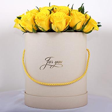 Желтая роза Премиум из Кении в коробке