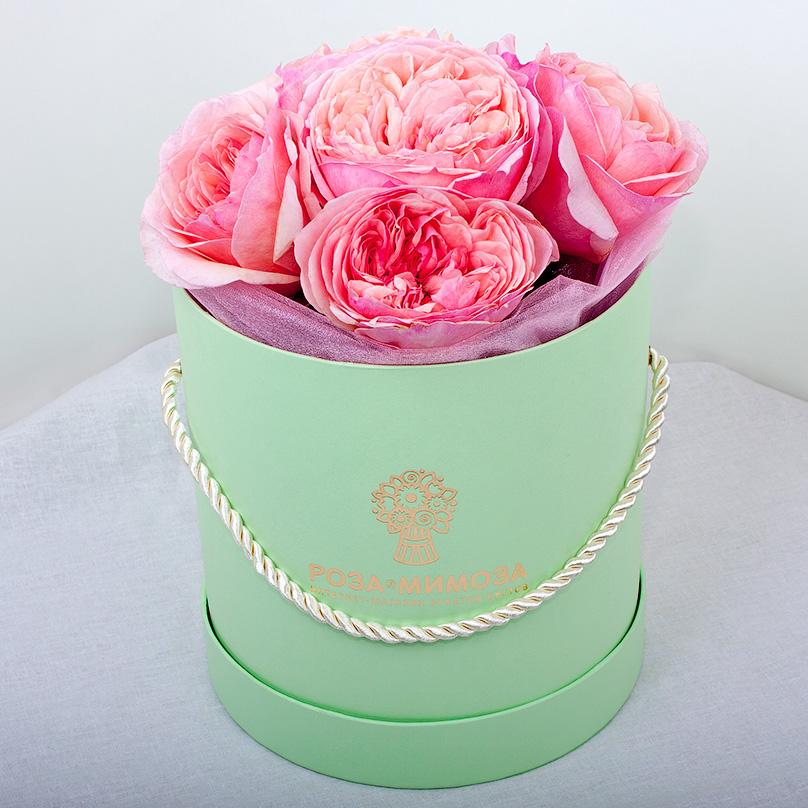 Фото Мини-коробка с розовыми пионовидными розами