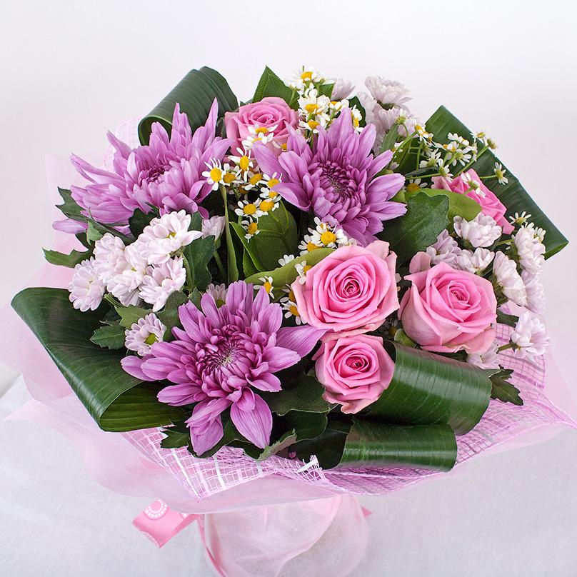 Фото Сиреневый букет с хризантемами и розами