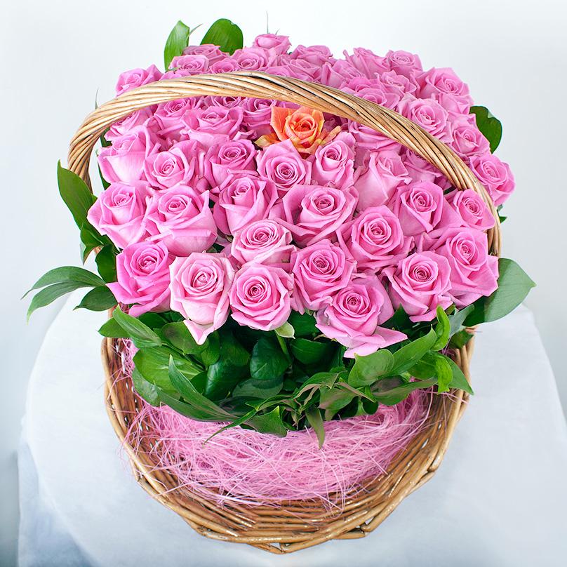 Фото 51 розовая роза в корзине