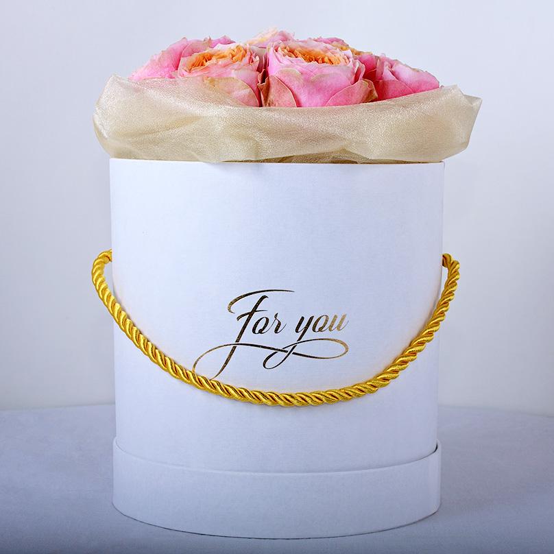 Фото Пионовидные розы в мини-коробке
