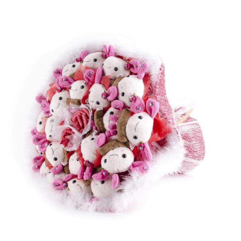 Фото Букет из 21 зайца (мягкие игрушки)