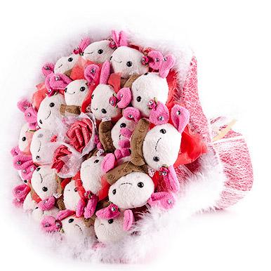 Зайцы на розовой полянке