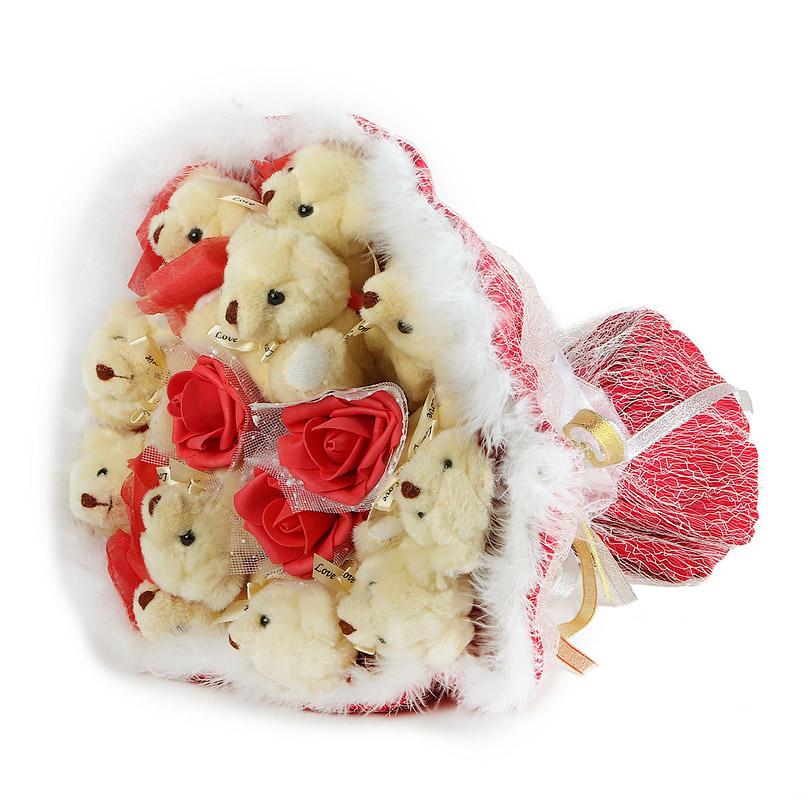 Фото Букет из мягких игрушек с розочками