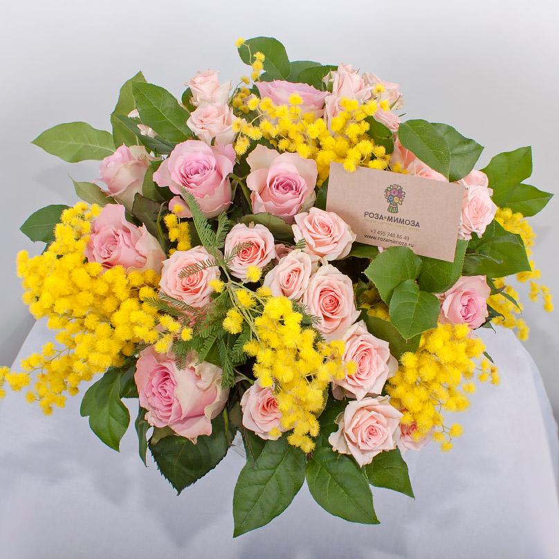 Фото Нежнейший букет из роз и мимозы
