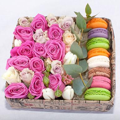 Пирожные макаронс с розами