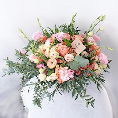 Элитный букет с пионовидными и французскими розами