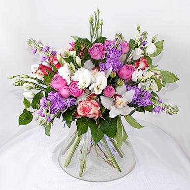 Букет с пионовидной розой, эустомой и орхидеей