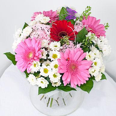 Розовые герберы с хризантемами