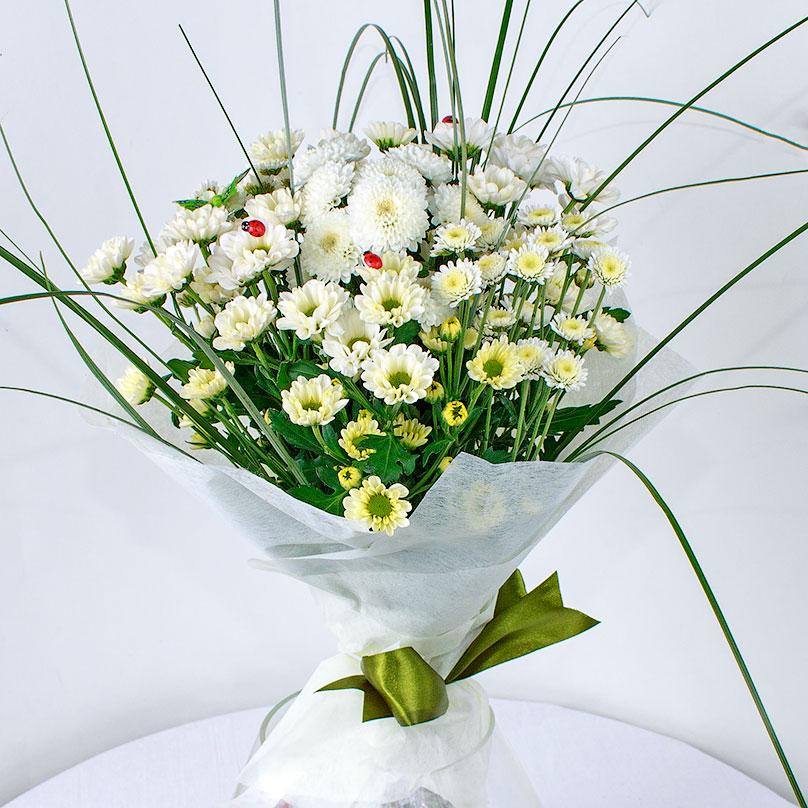 Фото Букет из белых кустовых хризантем