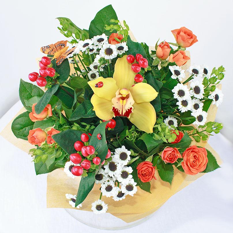 Фото Сборный букет из хризантем, роз и орхидеи