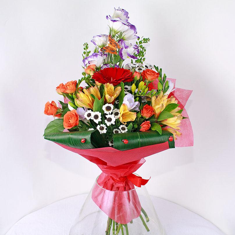 Фото Мужской букет с лизиантусом, герберами и розами