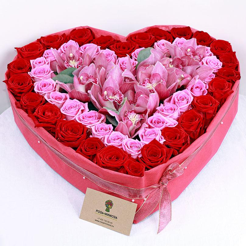 Фото Сердце из роз и орхидей