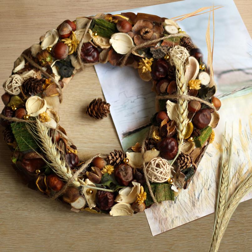 Фото Интерьерный венок с пшеницей