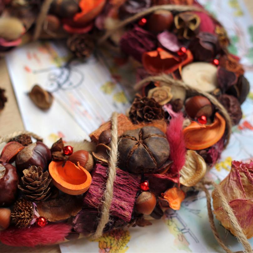 Фото Интерьерный венок Лесная осень