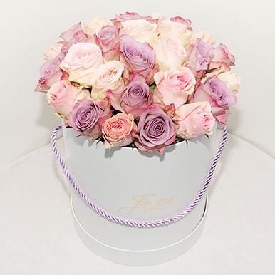 Шляпная коробка c кенийскими розами
