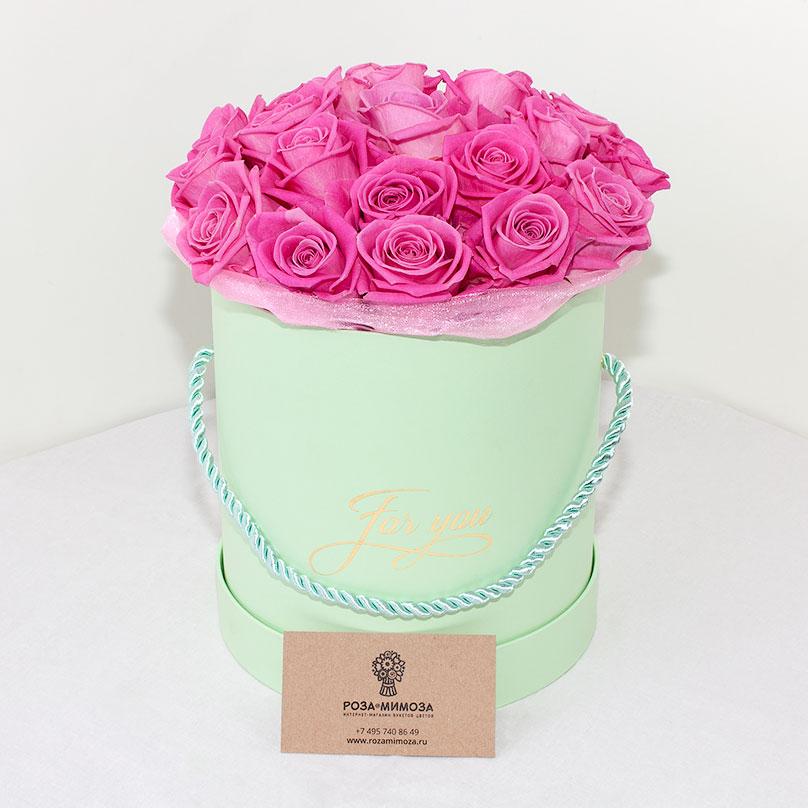 Фото Розовые розы Аква в зеленой коробке