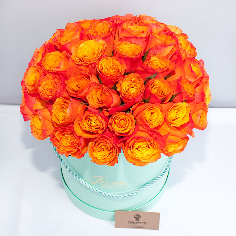 Фото 51 оранжевая роза в шляпной коробке
