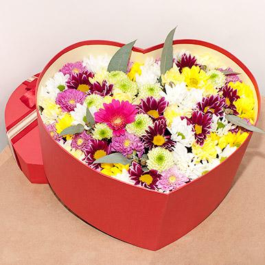 Сердце с хризантемами