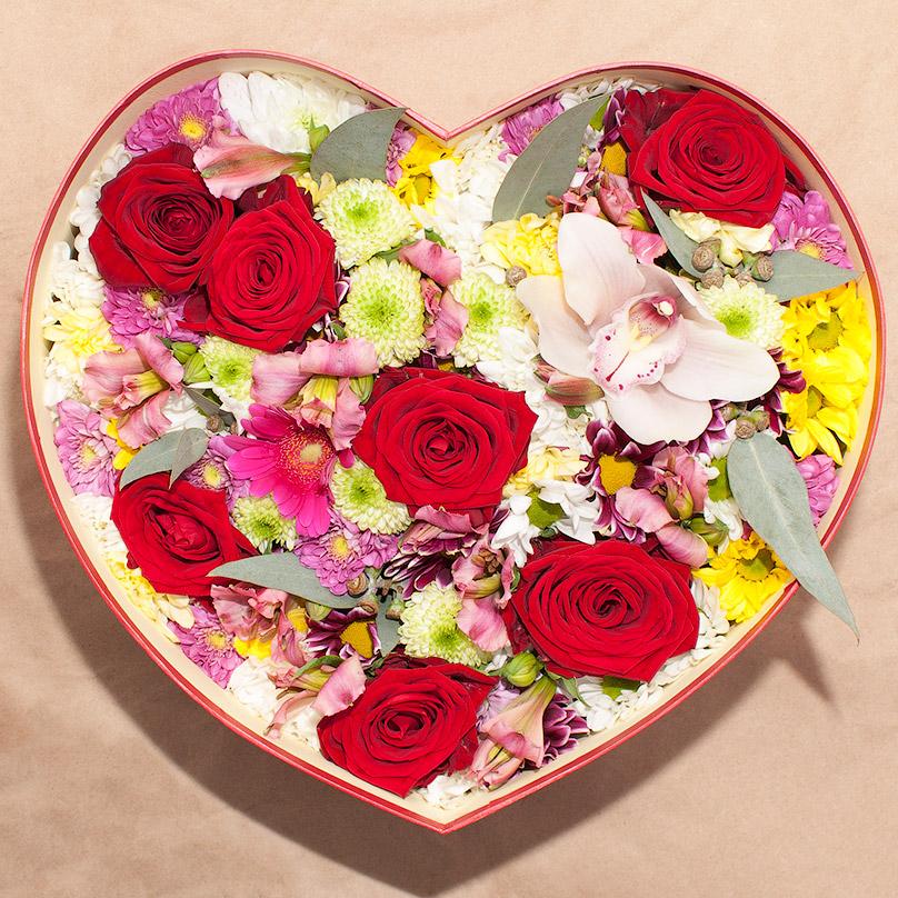 Фото Сердце с хризантемами